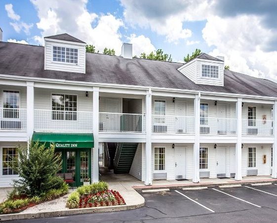 Quality Inn Airport in Indianapolis on ashamedphilippines.ml and earn Rewards nights. Collect 10 nights get 1 free*. Read 66 genuine guest reviews for Quality Inn Airport/5(67).