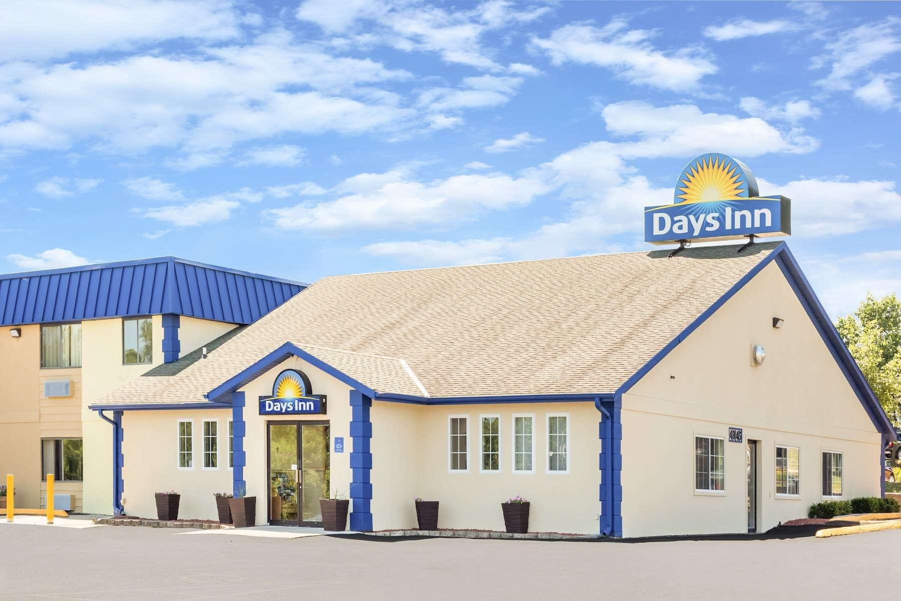 Days Inn Merle Hay Des Moines Ia Paramount Lodging Advisors